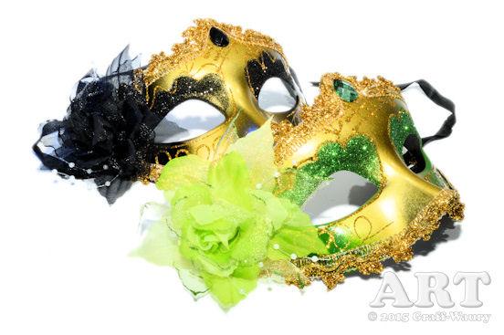 ... Masken, sie bedecken das Gesicht, um dieses unkenntlich zu machen...